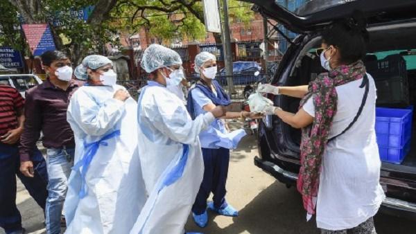 दिल्ली में कई दिनों से घट रहे कोरोना के मामलों ने फिर मारा उछाल, पिछले 24 घंटे में मिले 13287 संक्रमित मरीज