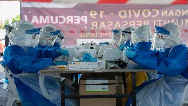 इसे भी पढ़ें- कैसे भारत की वैक्सीन नीति बदलने से दर्जनों देशों में मच गया है हाहाकार ? जानिए