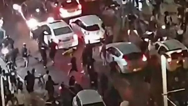 इजरायल: तेल अवीव में भीड़ ने की अरबी मूल के शख्स की लिंचिंग, TV पर लाइव हुआ प्रसारित