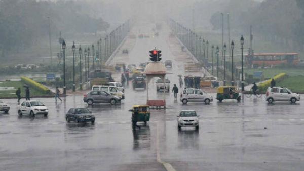 यह पढ़ें: Cyclone Tauktae Effect: दिल्ली समेत कई राज्यों में भारी बारिश की आशंका, 3 दिनों का अलर्ट जारी