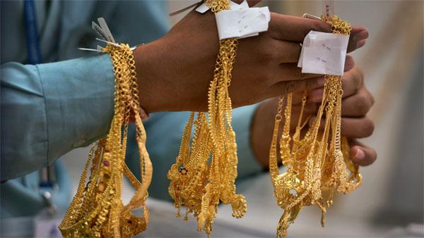 <strong>50000 रुपए पहुंचने के बाद धड़ाम हुआ सोना, जानें कैसा रहेगा अगले हफ्ते का हाल</strong>