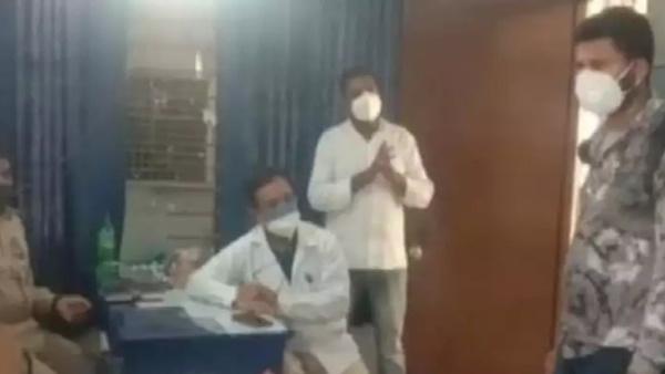 शर्मनाक : रात को 2 वार्ड बॉय ने महिला मरीज का ऑक्सीजन पाइप निकालने की कोशिश की, कान के टॉप्स ले गए