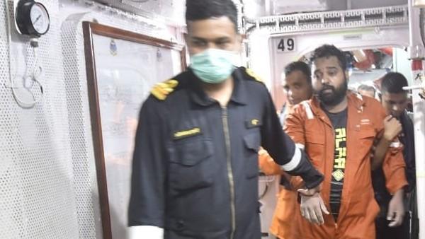 Cyclone Tauktae: बार्ज P305 से अबतक 37 शव बरामद, रेस्क्यू में जुटे 5 INS जहाज