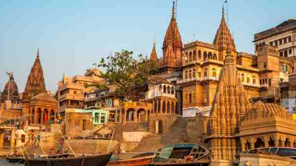 varanasi news: baba vishwanath mandir opens his treasury to helping corona patients
