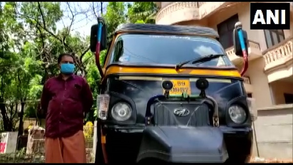 ये भी पढ़ें: केरल: कोरोना मरीजों की मदद के लिए ऑटो को बना दिया एंबुलेंस, अबतक 500 लोगों को पहुंचा चुके हैं अस्पताल