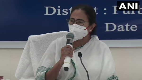 CM ममता बनर्जी ने पीएम मोदी को सौंपी 'यास' से हुई तबाही की रिपोर्ट, बैठक में देर से पहुंचने की बताई वजह
