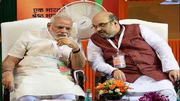 शिवसेना का हमला- मोदी-शाह यूपी चुनाव की तैयारी कर रहे, ये जीत की हवस से गंगा हिंदू शववाहिनी बन जाएगी