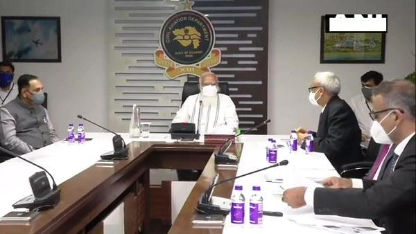 चक्रवाती तूफान निकलने के बाद गुजरात में PM मोदी ने की CM संग रिव्यू मीटिंग, प्रभावितों को आर्थिक मदद दी जाएगी