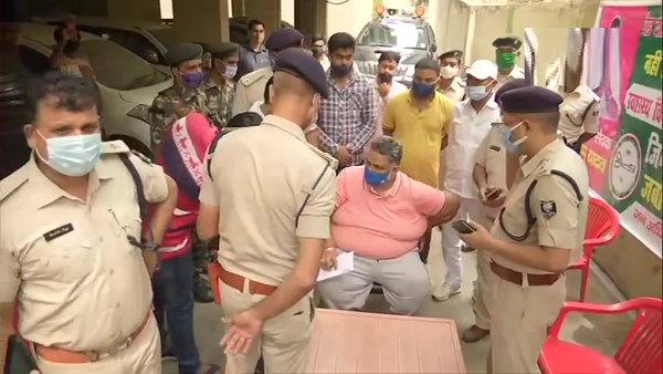 बिहार: पप्पू यादव को पुलिस ने किया गिरफ्तार, बोले- कोरोना काल में जिंदगियां बचाना जुर्म है तो फांसी दे दो