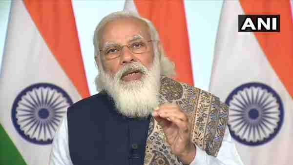काशी के डॉक्टरों और फ्रंटलाइन वर्कर्स से PM Modi ने की बात, कामकाज की समीक्षा की