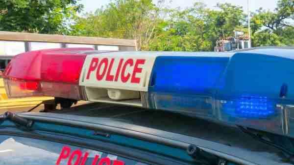 ये भी पढ़ें:- गाजियाबाद: मर्डर के मामले में दबिश देने आई महाराष्ट्र पुलिस टीम पर हमला, जवानों को पीटा-गाड़ी भी तोड़ी
