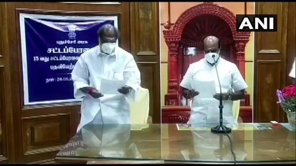 पुडुचेरी: मुख्यमंत्री एन रंगासामी ने किया राहत पैकेज का ऐलान, सभी परिवारों को मिलेंगे 3000 रुपए