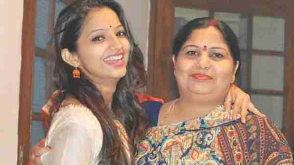 ये भी पढ़ें:- Mothers Day पर साक्षी मिश्रा ने अपनी मां को याद कर लिखी भावुक कविता, कहा- 'यूं क्या भूल हुई मुझसे जो...'