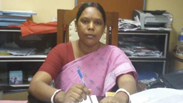 पश्चिम बंगाल: चुनाव के बाद बीजेपी में मची भगदड़, सोनाली के बाद सरला मुर्मू ने ममता बनर्जी से माफी मांगी