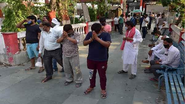 दिल्ली-एनसीआर: श्मशान स्थल के कर्मचारियों के इस दर्द के बारे में कोई नहीं पूछ रहा