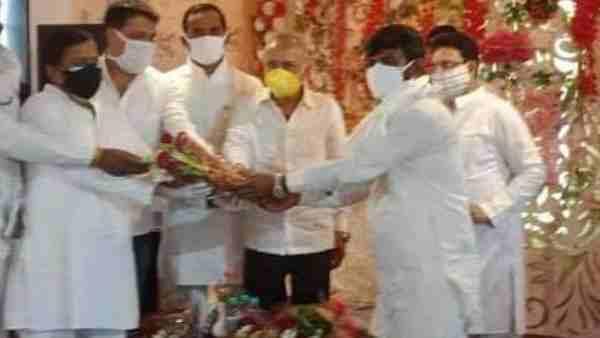 ये भी पढ़ें:- सपा एमएलसी सुनील सिंह साजन समेत 40 पर दर्ज हुई FIR, कोरोना गाइडलान उल्लंघन का मामला
