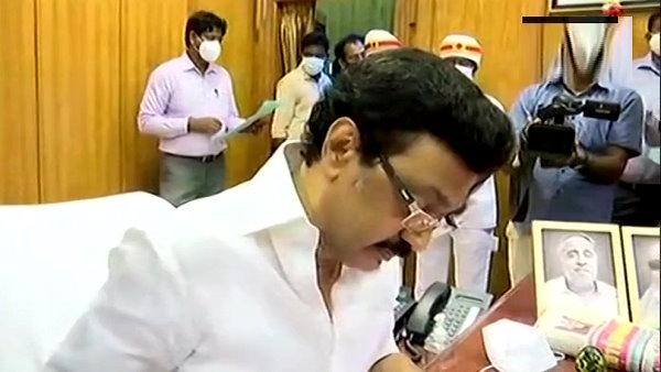 तमिलनाडु: MK स्टालिन की सरकार हर परिवार को 4 हजार रु. कोरोना राहत पैकेज देगी, इलाज का खर्च भी उठाएगी
