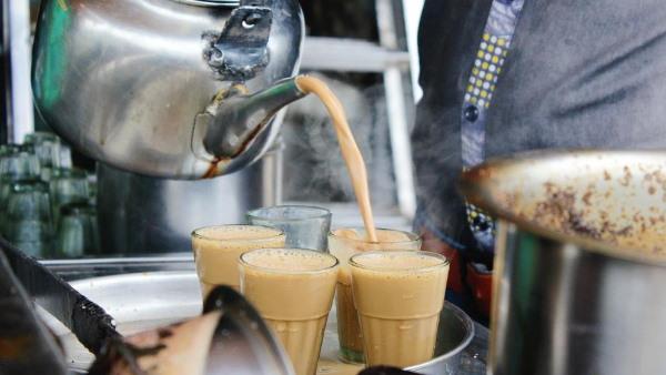 Fact Check: चाय पीने से नहीं होता कोरोना संक्रमण! जानें वायरल पोस्ट की सच्चाई
