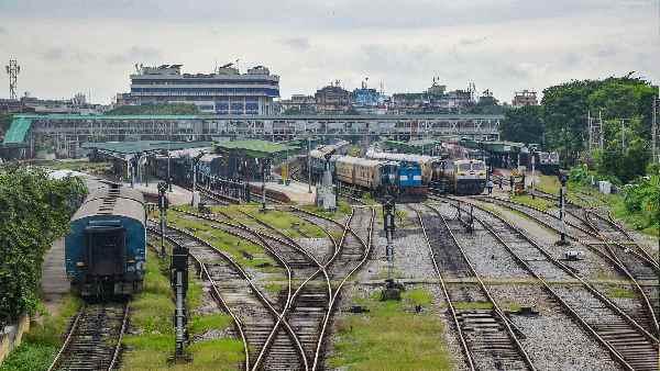 यह पढ़ें: 7 मई से पूर्व रेलवे की 8 जोड़ी ट्रेनें रद्द, पूरी लिस्ट देखिए