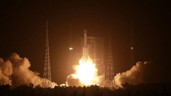 बेकाबू होकर धरती पर गिरे 21 हजार किलो के रॉकेट जैसा ही रॉकेट फिर से चीन ने छोड़ा, पता नहीं इस बार क्या होगा?