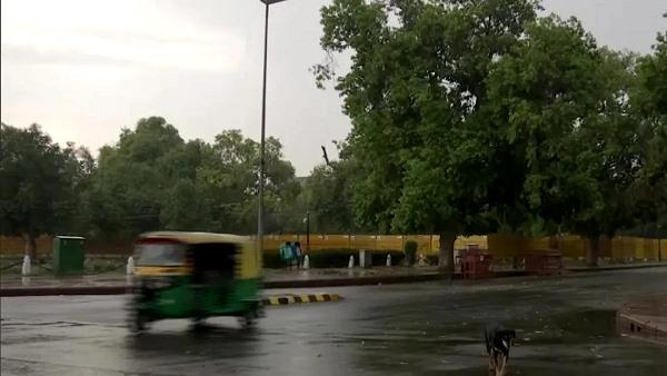 दिल्ली-हरियाणा और यूपी के इन इलाकों में होगी बारिश, IMD ने जारी किया अलर्ट