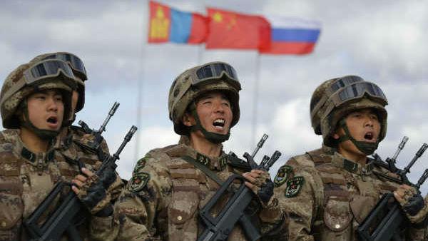 भारत से जंग की तैयारी में ड्रैगन, भारतीय सीमा पर तिब्बत के लोगों को ट्रेनिंग दे रहा है चीन