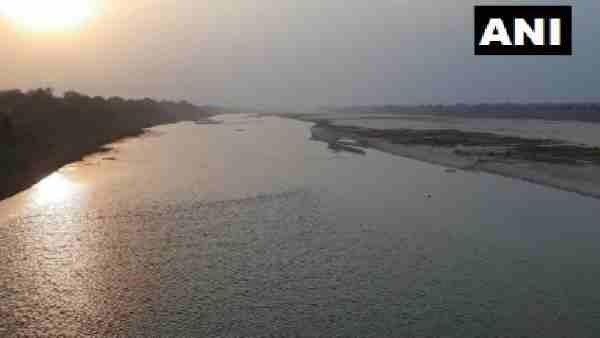 ये भी पढ़ें:- कोविड के बीच यमुना नदीं में तैरती मिलीं कई लाशें, जानिए क्या कहा Hamirpur एएसपी ने