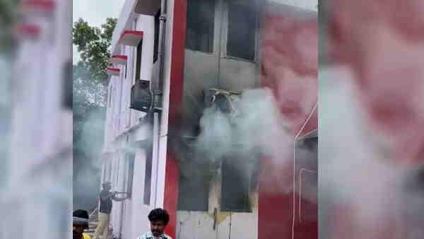 बिहारः मंत्री और जीतन राम मांझी के बेटे संतोष मांझी के सरकारी आवास में लगी आग, बाल-बाल बचे