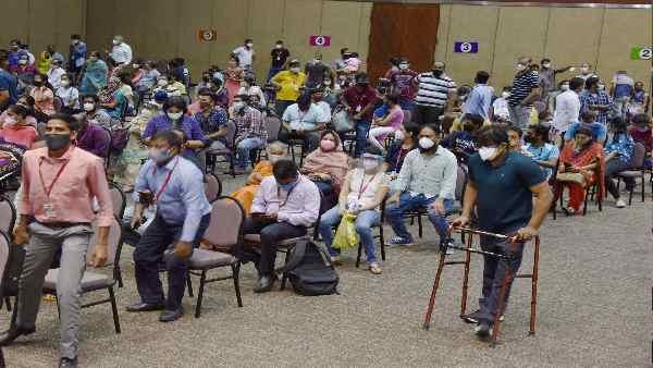 क्या ऐसे स्टूडेंट को अमेरिका में दोबारा लेनी पड़ेगी वैक्सीन ? भारतीय छात्रों की बढ़ी चिंता