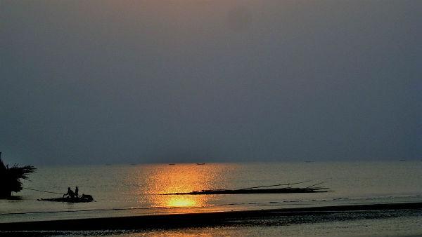 यह पढ़ें: Ganga Chalisa in Hindi: यहां पढे़ं गंगा चालीसा ,जानें महत्व और लाभ