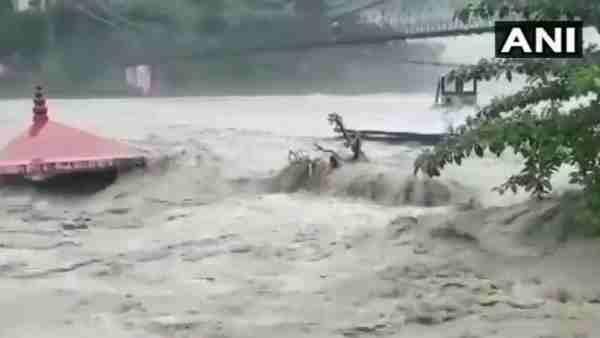 ये भी पढ़ें:- उत्तराखंड: खतरे के निशान से ऊपर बह रही अलकनंदा और मंदाकिनी नदी, तटीय इलाकों को खाली कराया गया