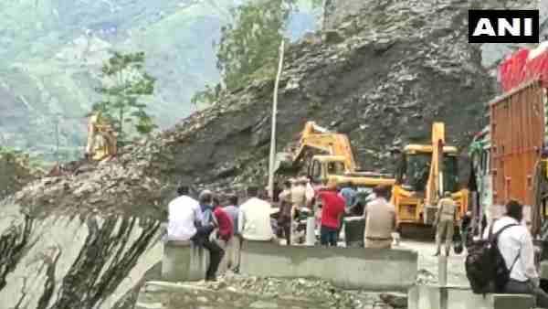 ये भी पढ़ें:- भूस्खलन के कारण अवरूद्ध हुआ पिथौरागढ़ राष्ट्रीय राजमार्ग, बद्रीनाथ नेशनल हाईवे ठप
