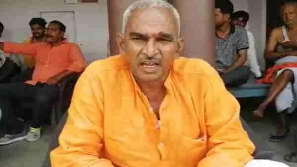 ये भी पढ़ें:- BJP MLA सुरेंद्र सिंह ने पंडित नेहरू पर दिया विवादित बयान, कहा- ''बुजदिल' थे, वरना आजादी मिलने के बाद...'