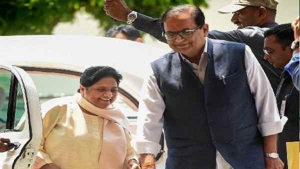 ये भी पढ़ें:- यूपी चुनाव 2022: वोटबैंक की सियासत वही नाम नया, BSP ने क्यों बदला 'ब्राह्मण सम्मेलन' का नाम?