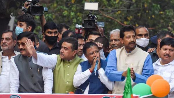 बंगाल BJP में घमासान की आशंका, अहम बैठक में नहीं पहुंचे मुकुल रॉय और राजीव बनर्जी