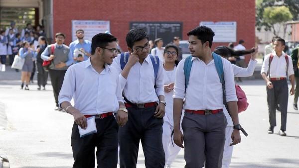 सीबीएसई ने 12वीं के छात्रों के अंक अपलोड करने की अंतिम तिथि बढ़ाई, आंतरिक मूल्यांकन के लिए दिए जरूरी निर्देश