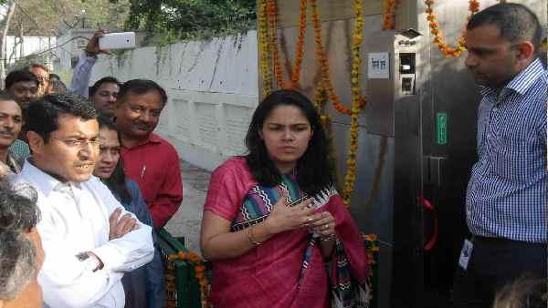 इसे भी पढ़ें-कौन हैं केरल में जन्मीं आईएएस रोशन जैकब, लखनऊ में कोरोना कंट्रोल के लिए हो रही है वाहवाही