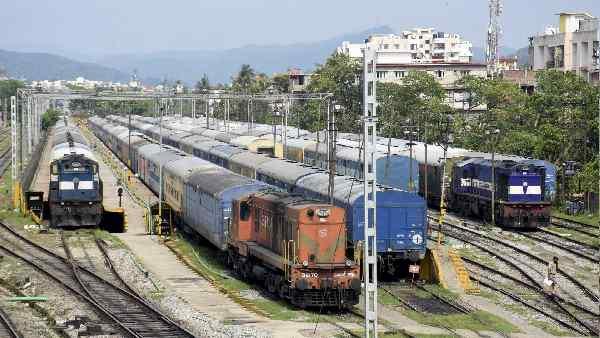इसे भी पढ़ें- Indian Railways:5 जून से बिहार-यूपी की 24 स्पेशल ट्रेनें फिर से चलेंगी, पूरी लिस्ट देखिए
