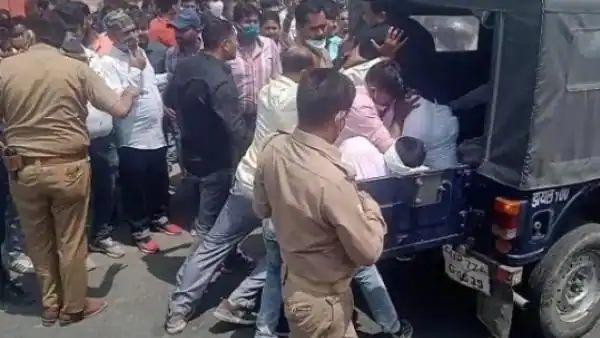 कानपुर: पुलिस पर हमला करके हिस्ट्रीशीटर को छुड़ाने वाले BJP नेता पर बड़ी कार्रवाई, पार्टी ने निकाला