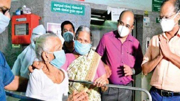104 साल की 'अम्मा' के आगे कोरोना वायरस भी गया हार, डॉक्टर्स ने ताली बजाकर किया डिस्चार्ज