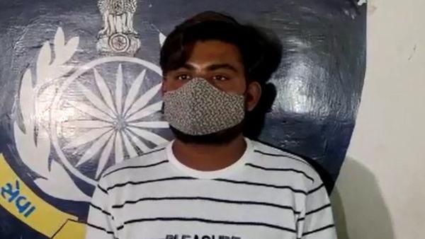 लव-जिहाद का मामला: गुजरात में नए कानून से पहली गिरफ्तारी, खुद को क्रिश्चियन बताकर मुस्लिम शख्स ने हिंदू युवती को प्रेमजाल में फंसाया, मस्जिद में किया निकाह