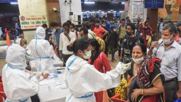 ये भी पढ़ें: क्या अगले 2-4 हफ्तों में महाराष्ट्र में आ सकती है कोरोना की तीसरी लहर, स्वास्थ्य अधिकारी ने दिया जवाब