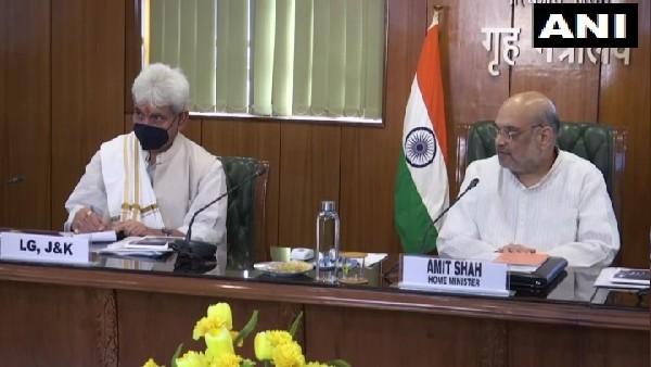 गृह मंत्री शाह की जम्मू-कश्मीर उप राज्यपाल मनोज सिन्हा के साथ बैठक, विकास कार्यों पर की चर्चा