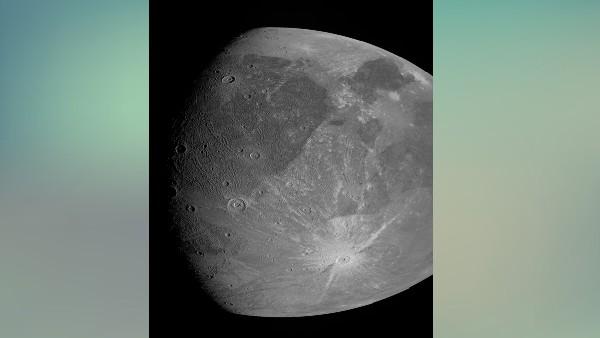 सौर मंडल के सबसे बड़े चंद्रमा गेनीमेड तक पहुंचा जूनो स्पेसक्राफ्ट, करीब से ऐसा दिखता है चांद