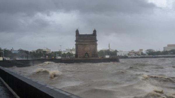 यह पढ़ें:मुंबई समेत महाराष्ट्र के कई जिलों में भारी बारिश की आशंका
