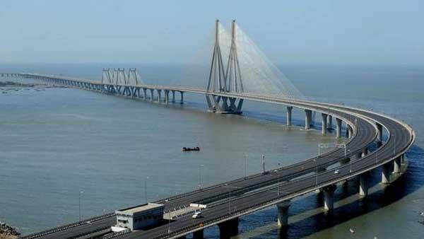 इसे भी पढ़ें-महाराष्ट्र ने 5-स्तरीय अनलॉक योजना की घोषणा की, मुंबई ट्रेनें फिलहाल रहेंगी बंद