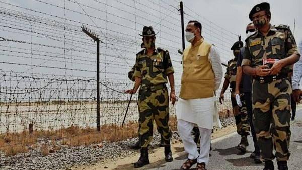 सवा 100 करोड़ से यहां देशवासियों के लिए गुजरात में तैयार होगा सीमा पर्यटन केंद्र, मंजूरी देने पाक बॉर्डर खुद पहुंचे CM विजय रूपाणी