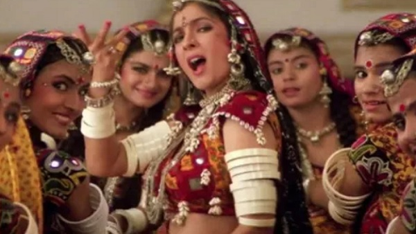 यह पढ़ें: Sach Kahun Toh: नीना गुप्ता का बड़ा खुलासा- 'चोली के पीछे... गाने के लिए पहनाई गई थी Padded...'