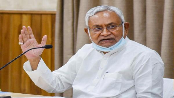 मोदी कैबिनेट में विस्तार की चर्चाओं के बीच 'आंख दिखाने' दिल्ली पहुंचे नीतीश कुमार