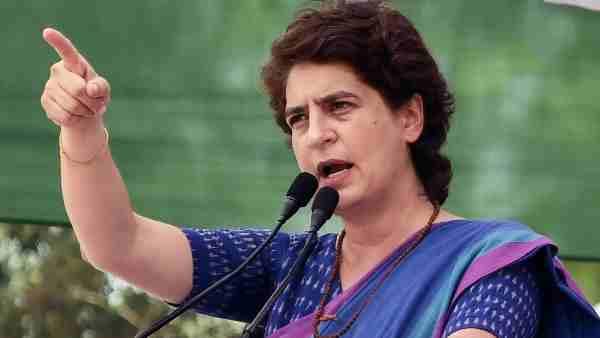 प्रियंका गांधी ने FB पर शेयर किया मथुरा का वीडियो, लिखा- जंगलराज में महिलाओं की सुरक्षा भगवान भरोसे